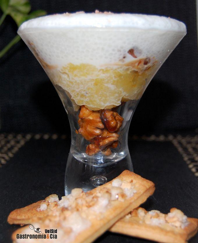 Mousse de requesón con manzana asada