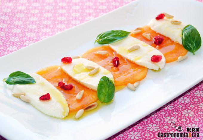 Ensalada de mozzarella y persimon