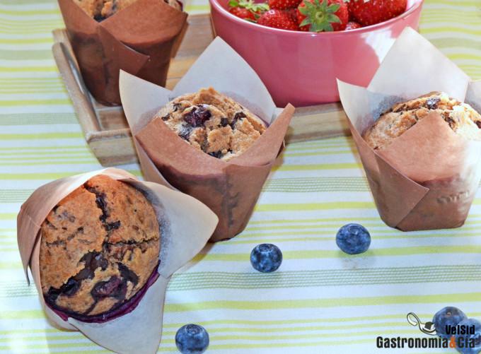 Muffins de espelta con arándanos y chocolate