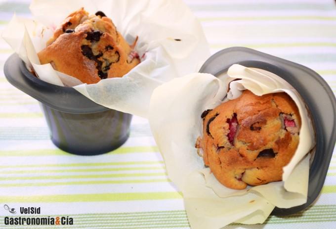 Muffins de fresas y chocolate