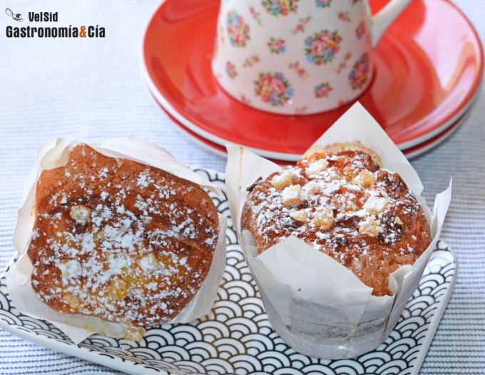 Muffins con pera y jengibre confitado