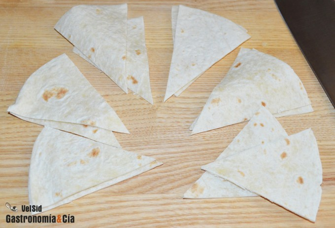 Tortillas mexicanas fritas para hacer nachos