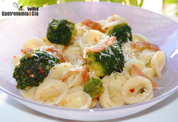Orecchiette con brócoli