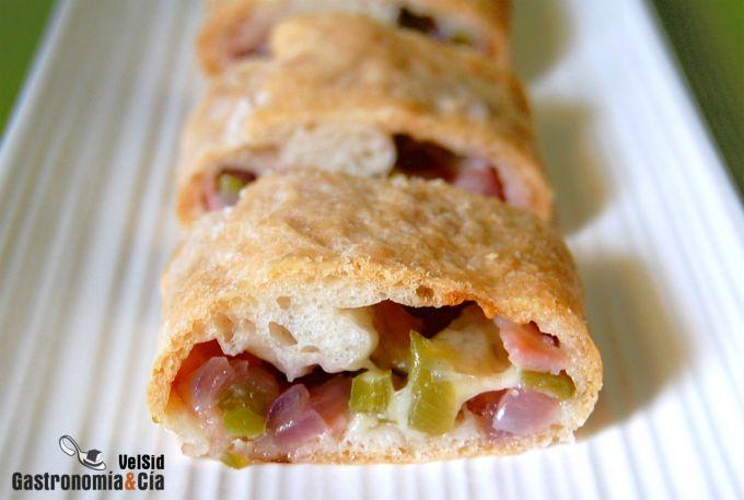 Pan relleno de bacon y pimiento