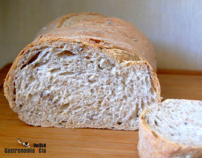 Pan rústico con linaza