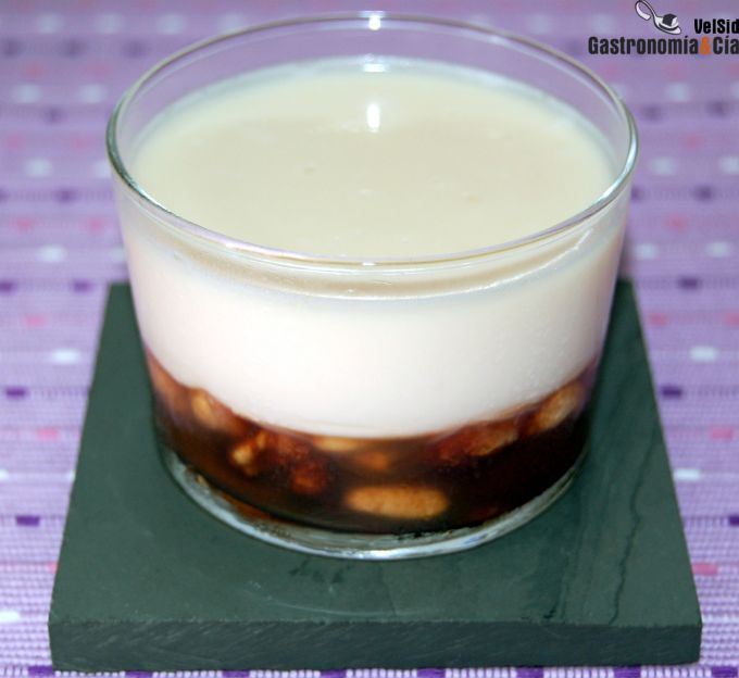 Panna cotta con frutos secos