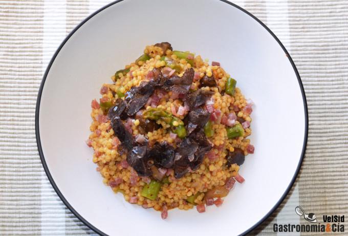 Pasta grattata con Portobello, jamón y trufa negra