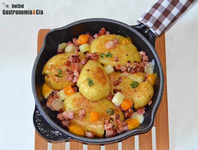 Patatas crujientes con bacon y queso cheddar