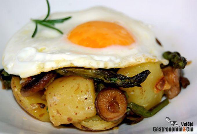 Receta de Patatas salteadas con huevo a la plancha