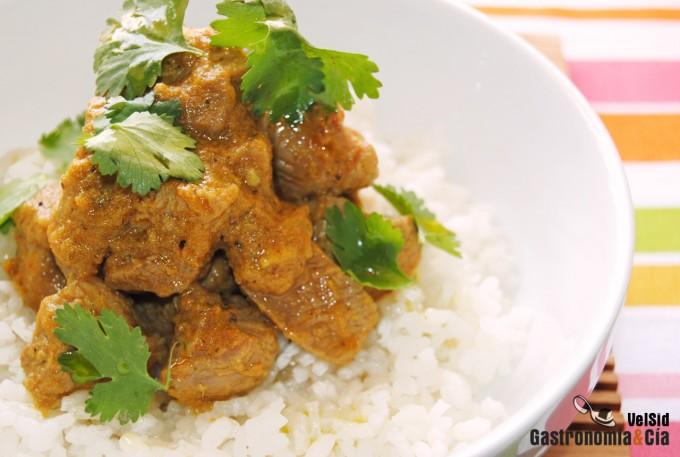 Pavo al curry Hinleh