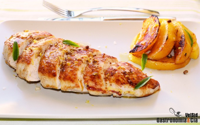 Pechuga de pavo con gajos de persimon lim n y pimienta de for Como cocinar pechuga de pavo