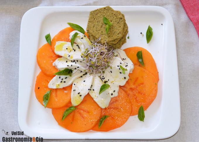 Ensalada de persimon y mezzarella (mozzarella vegana)