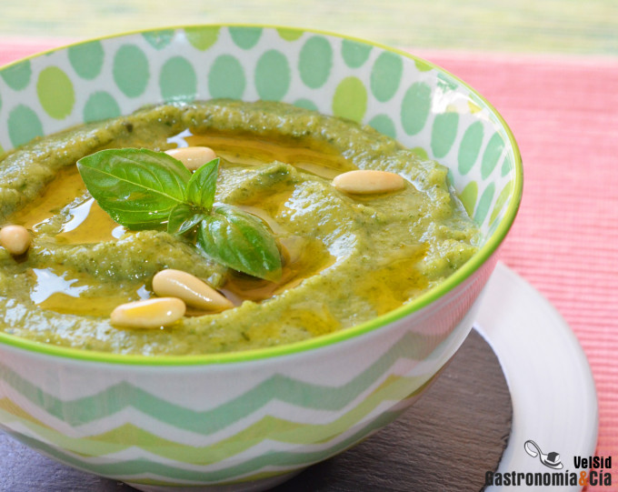 Pesto de brócoli, una salsa tan rica como la tradiciona