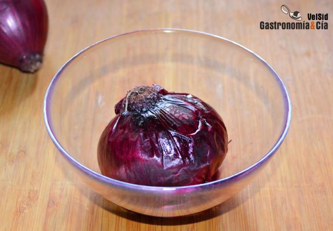 Pétalos de cebolla morada