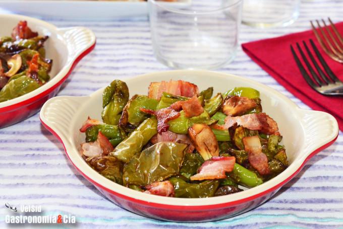 Pimientos verdes con bacon ahumado