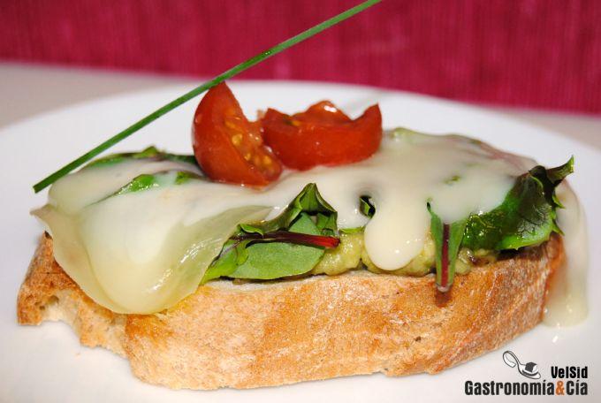 Pincho de aguacate y queso San Simón