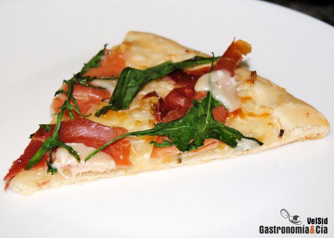 Pizza bianca con prosciutto
