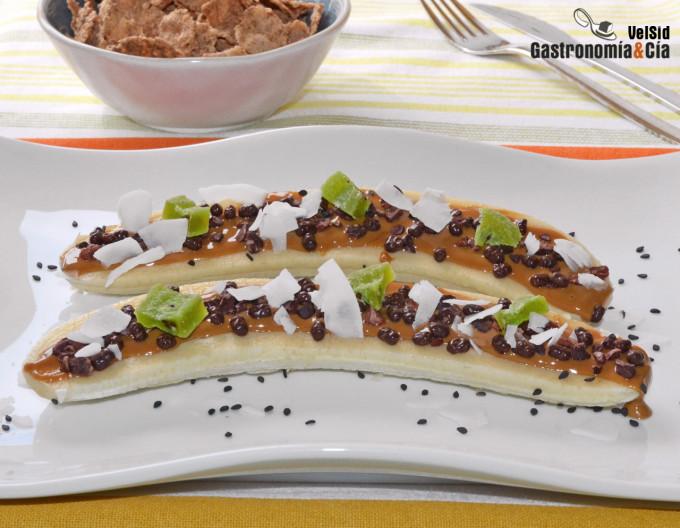 Plátano, cacao y cacahuete, un postre o un desayuno sal