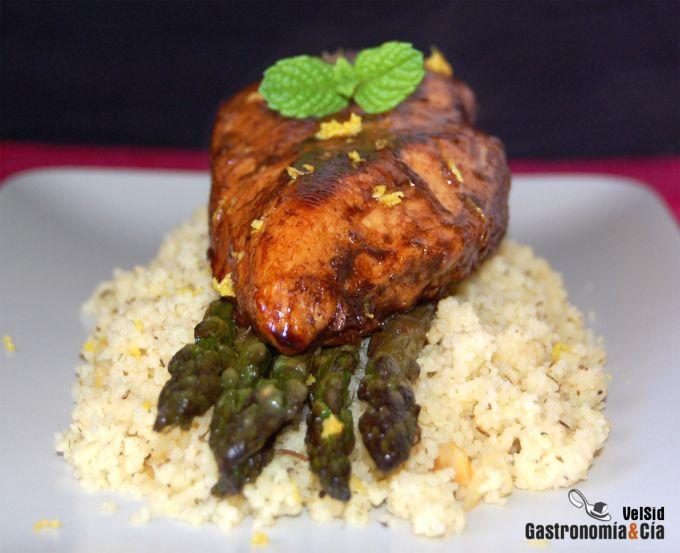 Pollo balsámico con cuscús de ajo