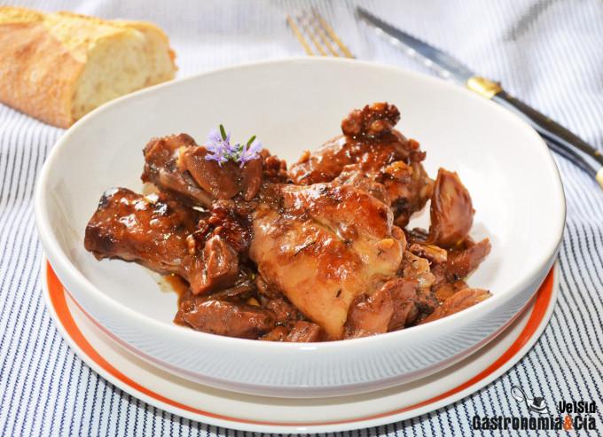 Muslos de pollo con boletus y nueces