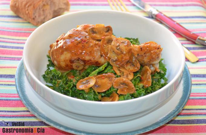 Pollo jugoso con champiñones y almendra