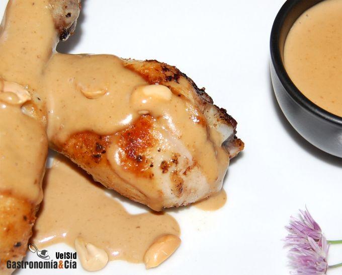Pollo con salsa de cacahuete