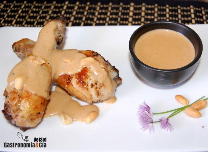 Pollo con cacahuetes