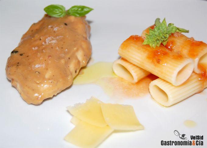 Pollo con salsa de castañas y reducción de vino