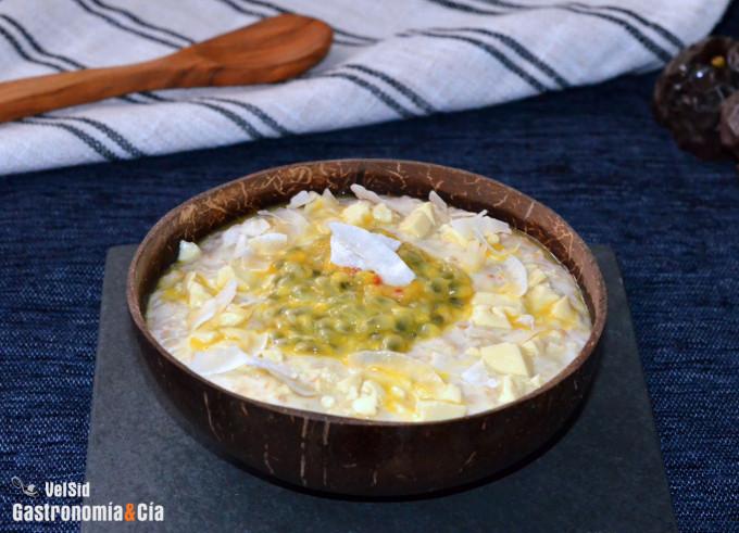 Porridge de chocolate blanco y fruta de la pasión
