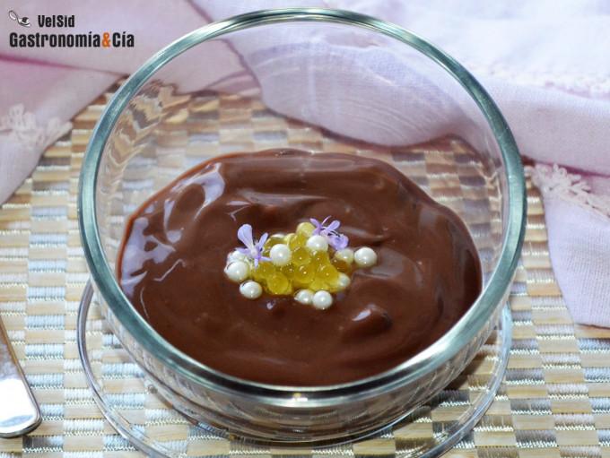 Pudin cremoso de chocolate con aceite de oliva virgen e