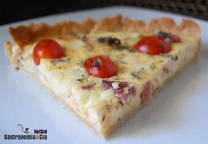 Quiche de queso, tomates y panceta