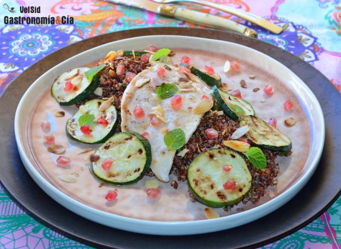 Quinoa, pollo y calabacín a la parrilla con aceite de s