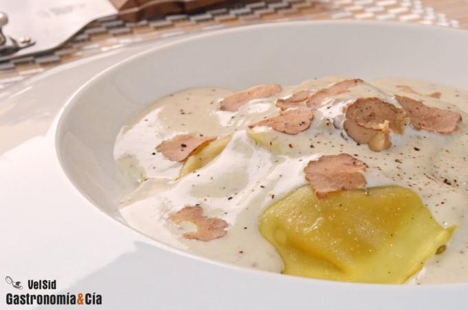 Ravioli de boletus con salsa de trufa blanca