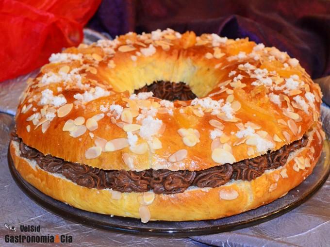 Roscón de Reyes relleno de trufa y praliné