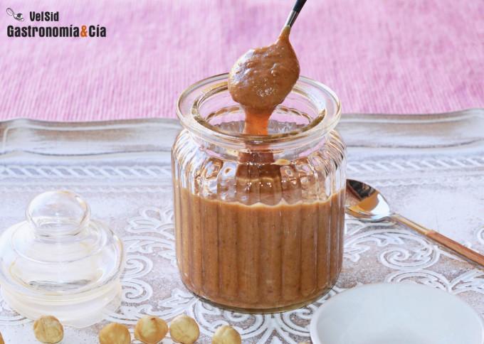 Salsa de caramelo y avellanas saludable