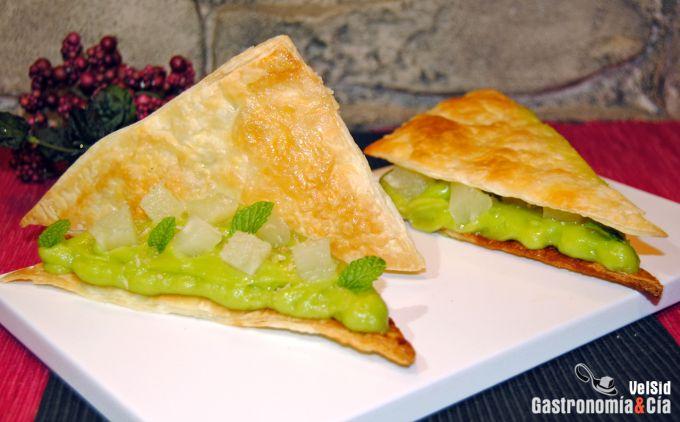 Sándwich de aguacate en hojaldre