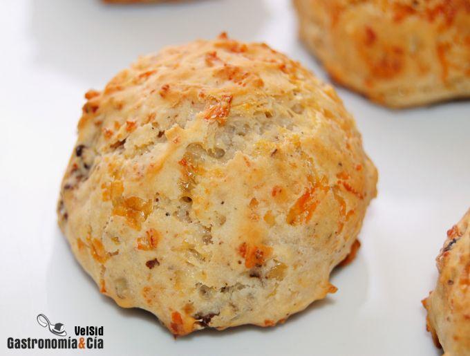 Scones de queso y nueces