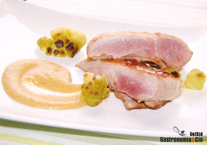 Secreto de cerdo con salsa de caqui y Garam masala