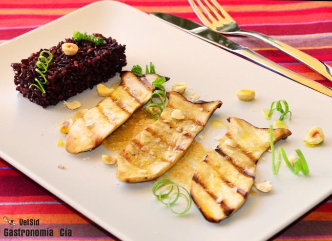 Setas de cardo con praliné de avellanas y arroz venere