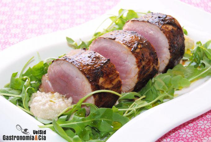 Solomillo de cerdo marinado con salsa de parmesano