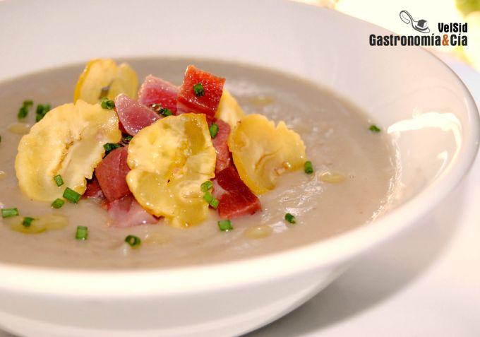 http://www.gastronomiaycia.com/wp-content/photos/sopa_castanas_jamon1.jpg