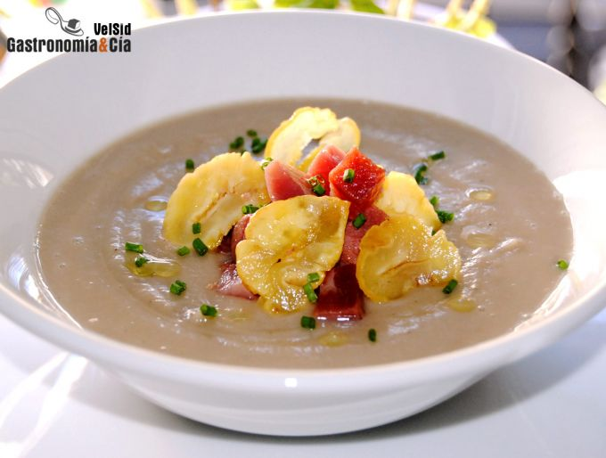 Sopa de castañas y jamón