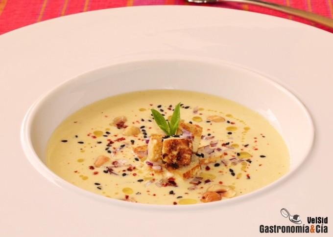 Sopa de melón, tofu y leche de coco