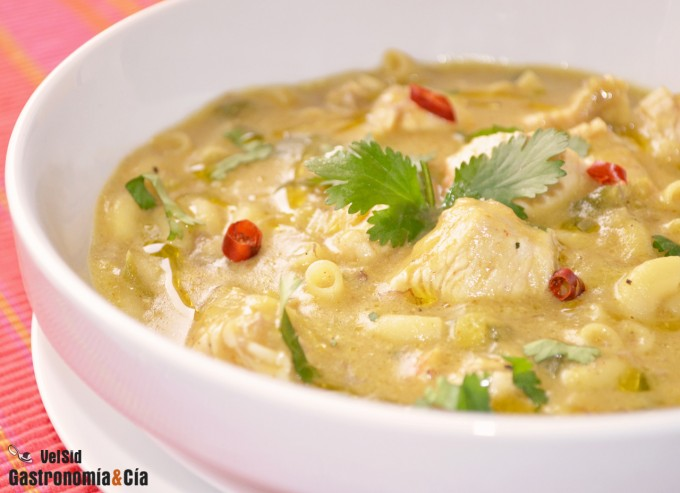 Sopa de pavo al curry