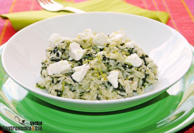 Receta griega de arroz con espinacas y eneldo