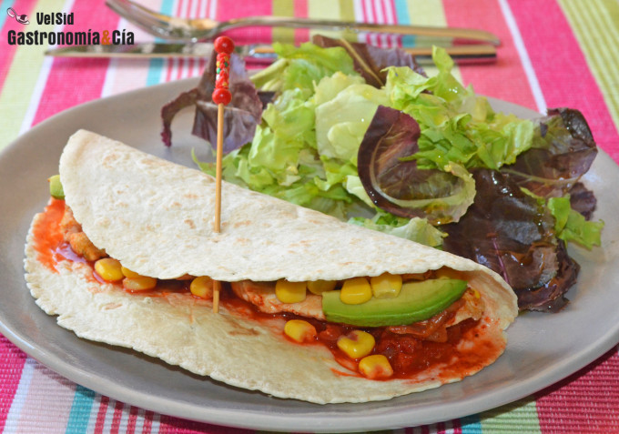 Tacos coreanos de pollo y kimchi
