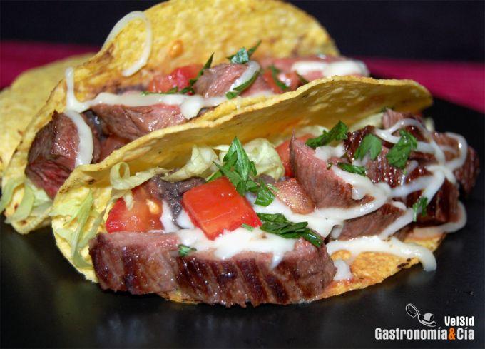 Tacos de ternera con fríjoles refritos