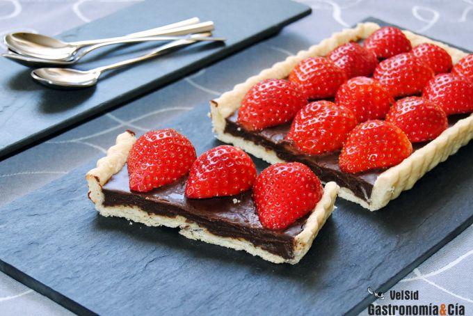 Receta de Tarta de chocolate y fresas