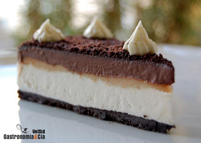 Tarta de chocolate, caramelo y nata