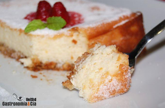 http://www.gastronomiaycia.com/wp-content/photos/tarta_requeson_almendra91.jpg